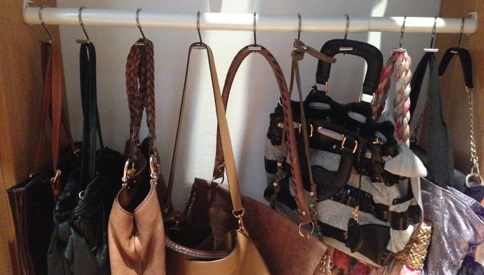 WHEN IT COMES TO HANDBAG ORGANIZATION, THINK LIKE A FRENCH WOMAN